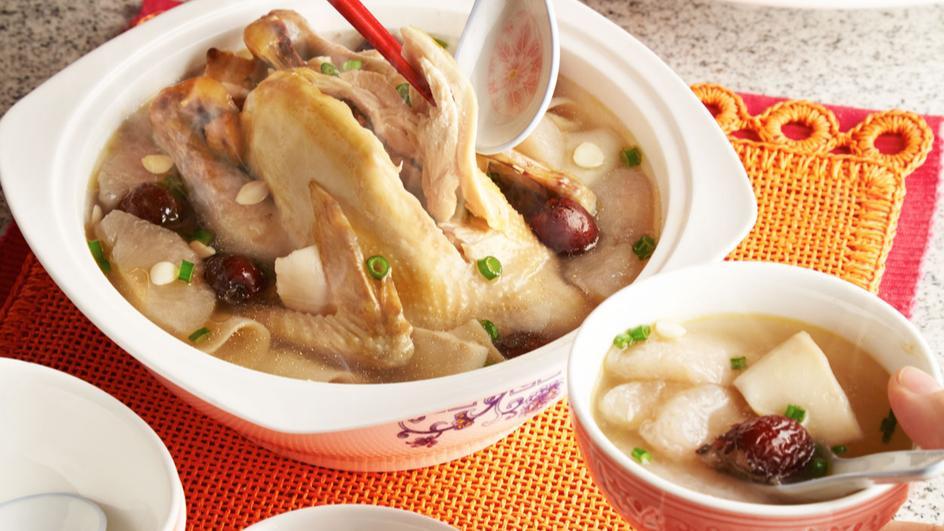 Sup Istimewa Ayam Kampung dan Pear Manis