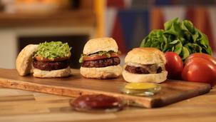 Goveđi hamburger s povrćem