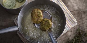 Κολοκυθοκεφτέδες με νιφάδες πατάτας