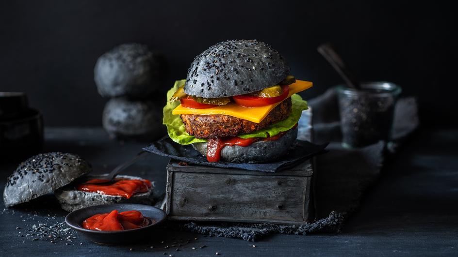 Schwarzer Cheeseburger