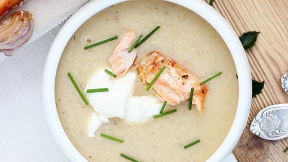 Zupa rybna z pieczonego łososia z serkiem mascarpone