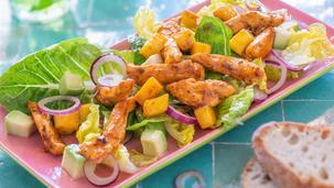 Feierabendsalat mit Hähnchen und Mango