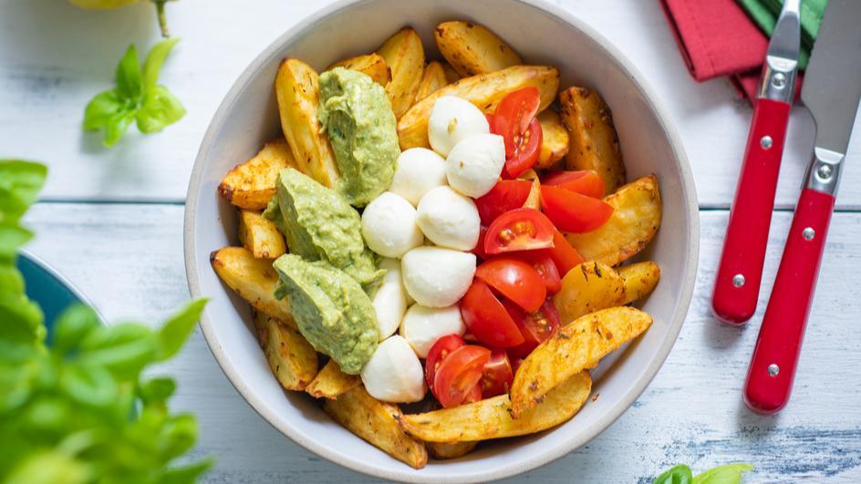 Italian Bowl mit Kartoffeln und Avocado Pesto