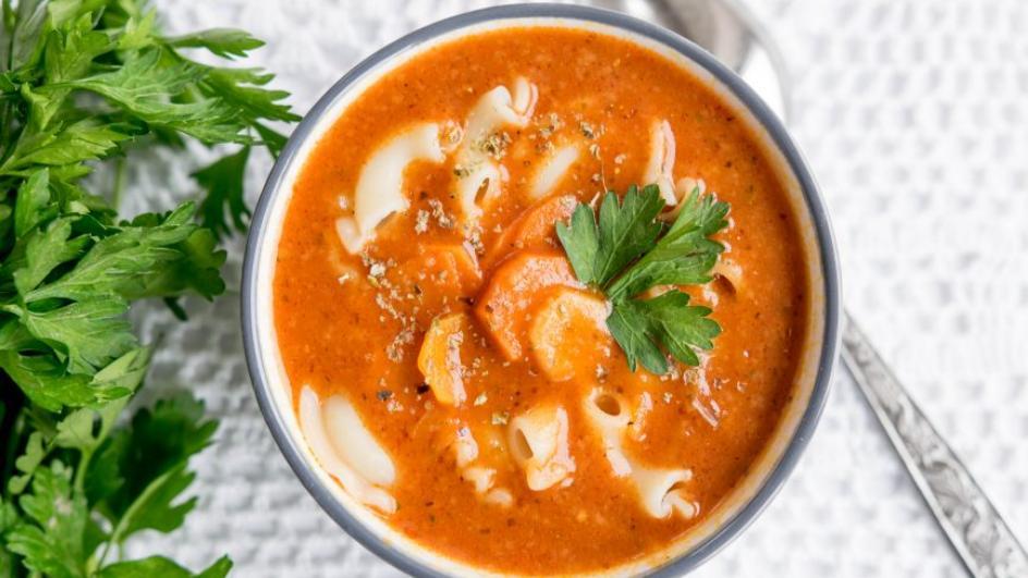 Zupa ogonowa z makaronem