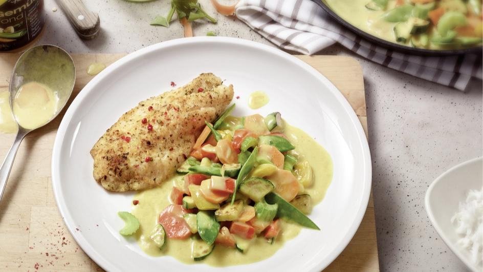 Gemüse-Pfanne mit Kokos-Curry-Sauce