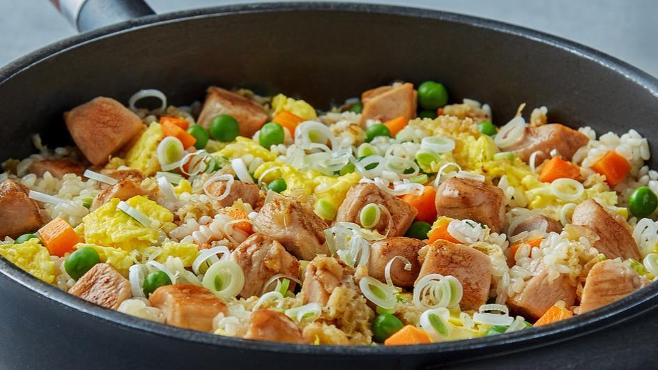 Asian One-Skillet Chicken Rice