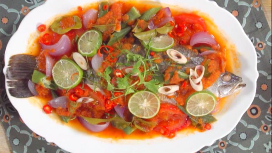 MAGGI Tom Yam Steamed Fish