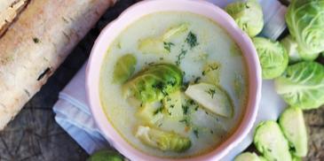 Zupa ze świeżej brukselki