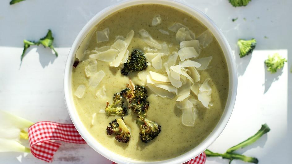 Zupa krem z brokułów pieczonych z koprem włoskim