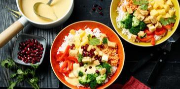 Buddha-Bowl mit fruchtig-scharfer Curry-Sauce