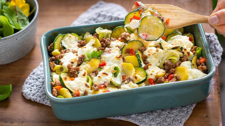 Zucchini-Hackfleisch Gratin mit Fetakäse