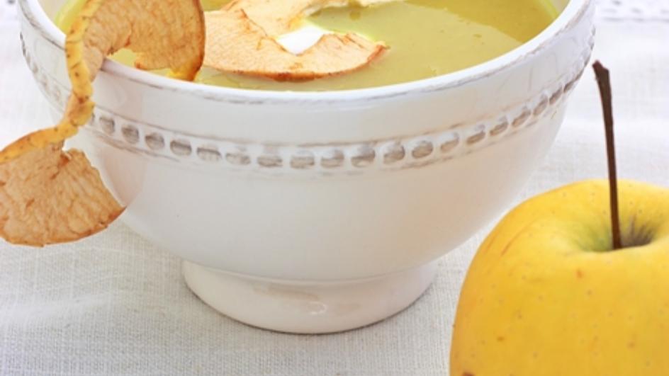 Zupa jabłkowa z selerem naciowym i curry