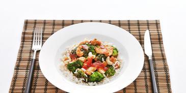 Gebakken tofu met broccoli en rijst