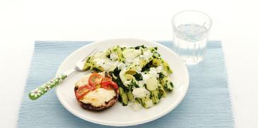 Pasta met versie spinazie en portobello geitenkaas