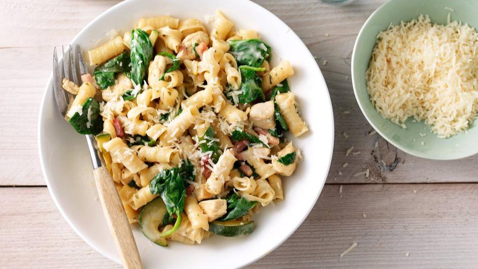 Pasta carbonara met spinazie