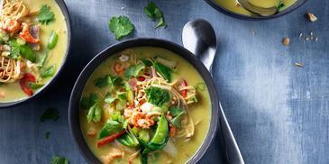 Currysoep met rivierkreeftjes en noedels