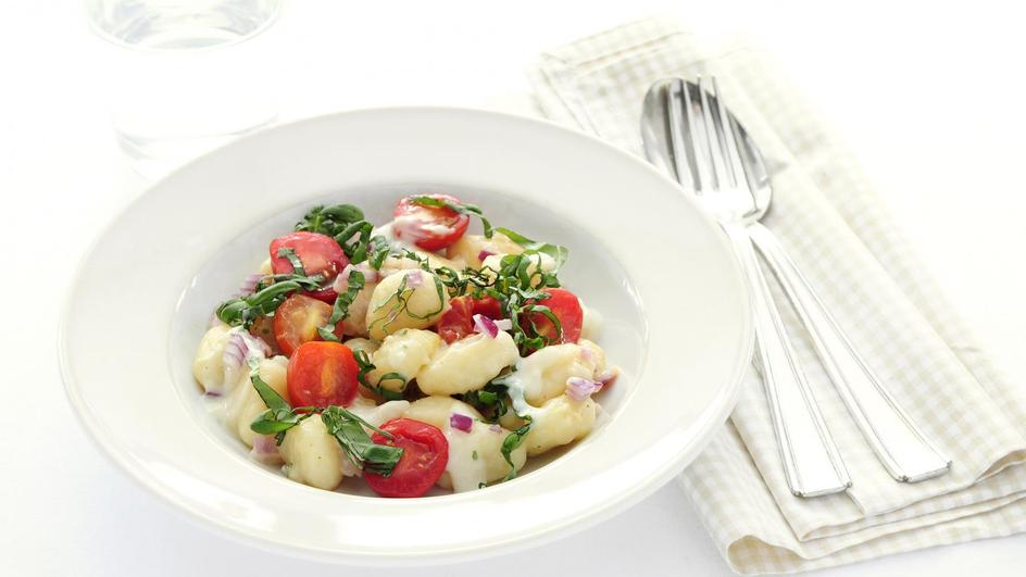 Gnocchi met basilicum en tomaat