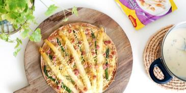 Tortizza met asperges en spekjes