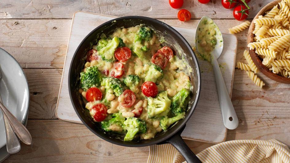 Pasta met broccoli, cannellini bonen en cherrytomaten