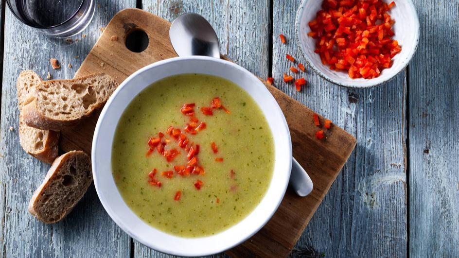 Courgettesoep met paprika