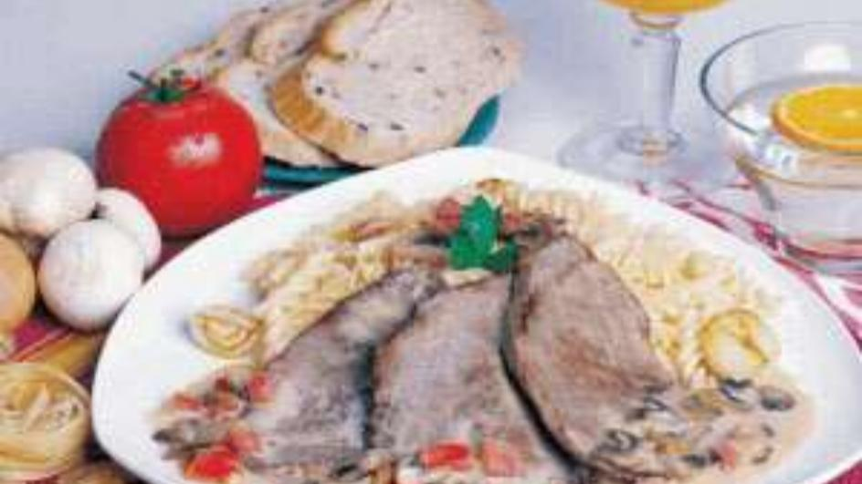 Steak with Mushroom Sauce and Pasta