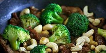 Beef & Broccoli Stir-fry with Cashews