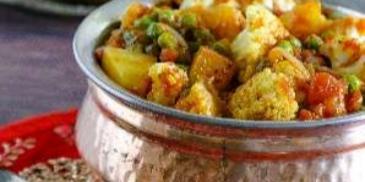 يخنة القرنبيط والبطاطا
