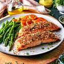 سمك السلمون المحمّر مع الخضروات