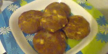 Kotlety mielone z jajkiem gotowanym