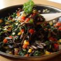 BOCZNIAKI Z PATELNI ze szpinakiem i warzywami