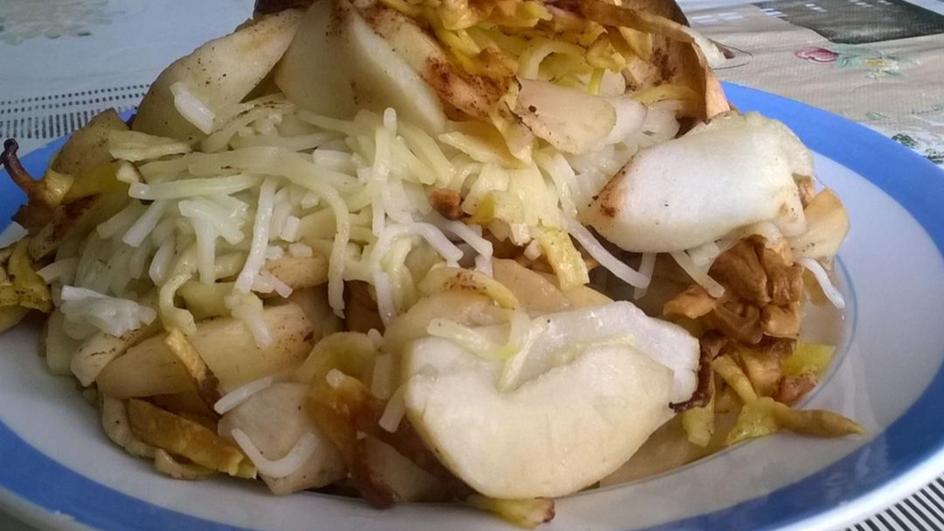 Zapiekany makaron z jabłkami i cynamonem