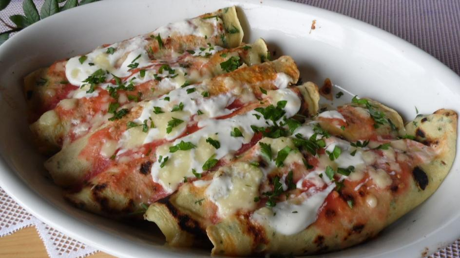 Naleśniki zapiekane z mozzarellą