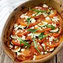 Cukinia zapiekana z pomidorami i fetą