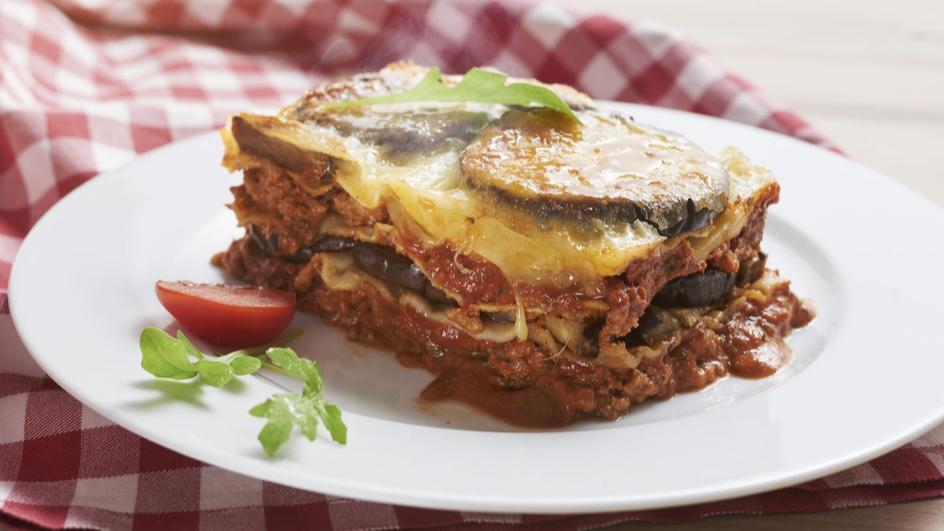 Lasagne z mięsem mielonym i grillowanym bakłażanem