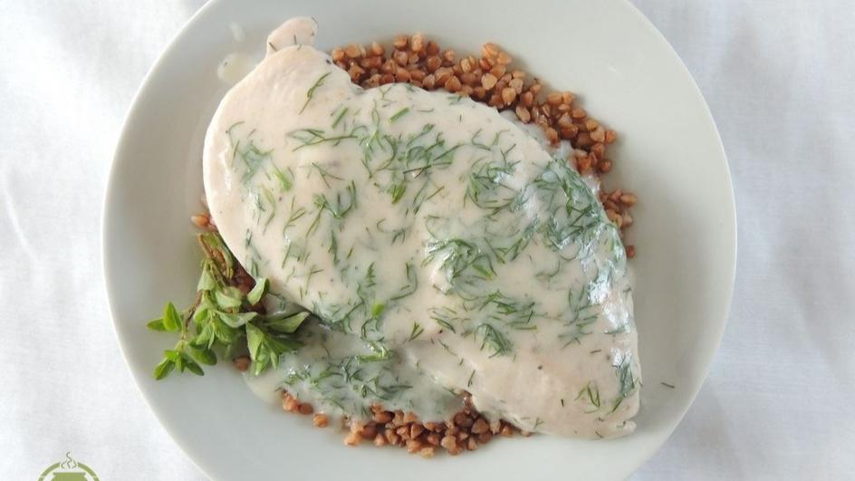 Filety z kurczaka w sosie koperkowym