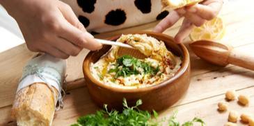 Znakomity klasyczny hummus