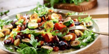 Sałatka warzywna – z dynią, burakiem i brukselką