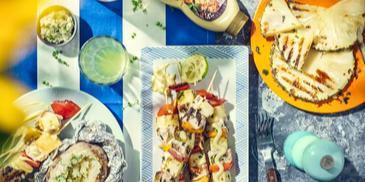 Szaszłyki z piersi indyka i ananasa z sosem curry