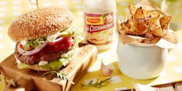 Burger z grilla z Sosem Czosnkowym WINIARY