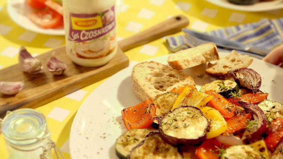 Warzywa z grilla marynowane w occie balsamicznym z rozmarynem