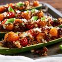 Cukinie faszerowane mięsem, pomidorami i serem feta