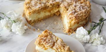 Kruche ciasto z brzoskwiniami i budyniową pianką blogerki Marta gotuje