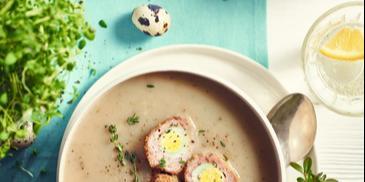 Barszcz biały z jajkiem po szkocku