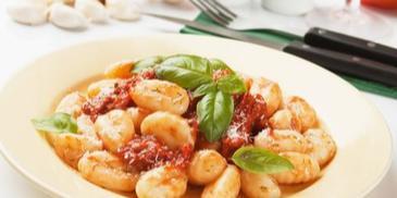 Gnocchi z sosem bolońskim