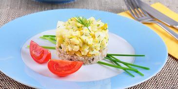Sałatka z kalafiora z jajkiem