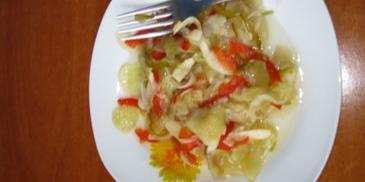 Warzywna sałatka do słoików na zimę