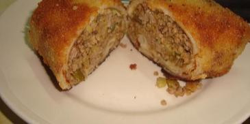 Krokiety z mięsem mielonym i ogórkiem konserwowym