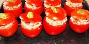 Pomidory zapiekane z fetą