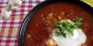 Marokańska zupa z ciecierzycą i soczewicą