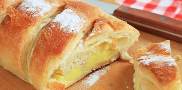 Strucla drożdżowa z serem